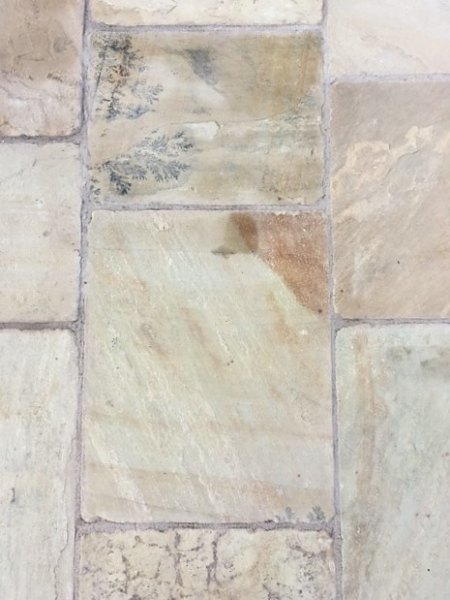 Cotswold Tumbled (Priced £32 per m2)