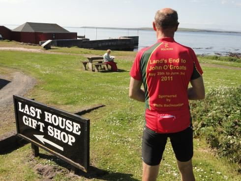 Barrie Llewellyn reaches John O'Groats