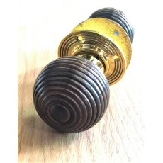 Beehive Wooden Door Knob (Brass Reeded Rose)