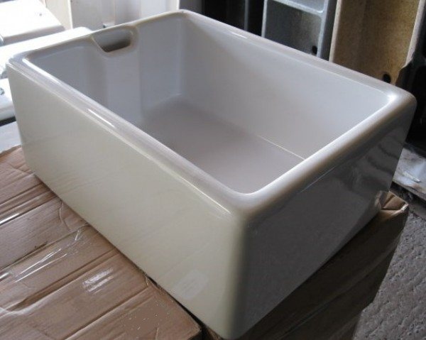 White Belfast Sink