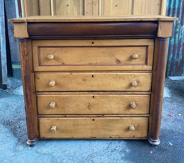 Victorian column fronted chest of draws