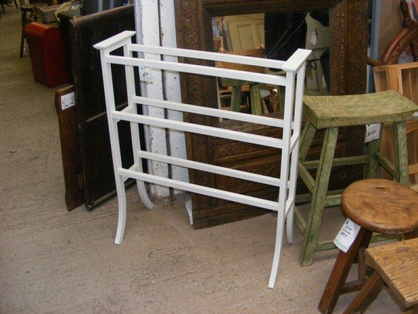 Towel rail (wooden)