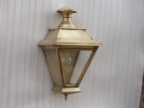 Victorian Style Wall Lamp (Glastonbury)